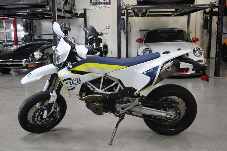 Used 2019 Husqvarna 701 supermoto for sale $10,995 at San Francisco Sports Cars in San Carlos CA 94070 4