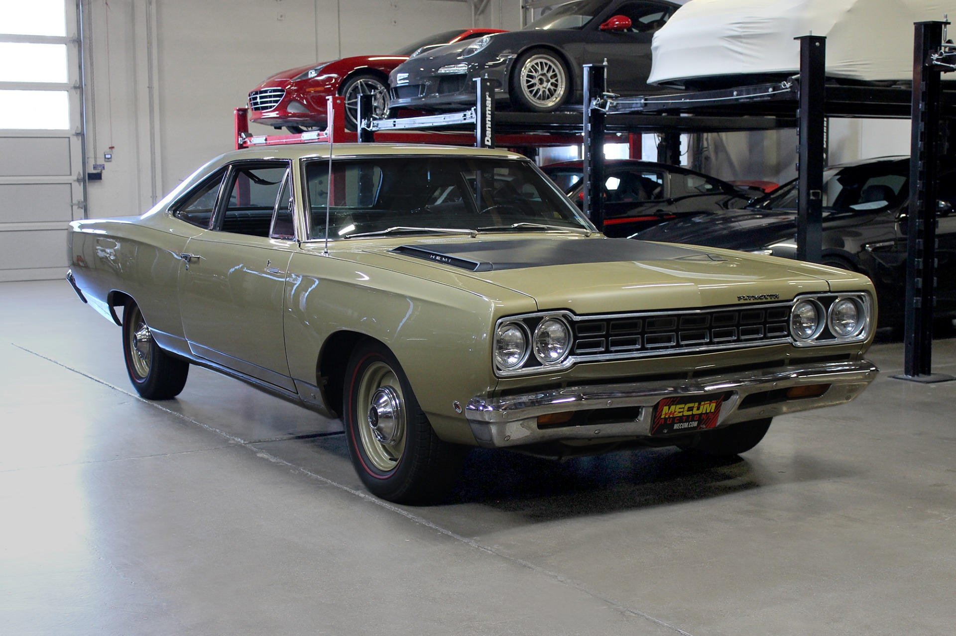 Used 1968 Plymouth Roadrunner 426 Hemi for sale $79,995 at San Francisco Sports Cars in San Carlos CA 94070 1