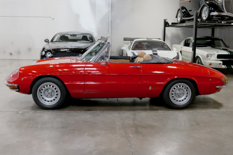 Used 1969 Alfa Romeo 1750 Duetto Spider for sale $51,995 at San Francisco Sports Cars in San Carlos CA 94070 4
